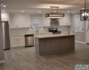 1014 Woodcliff Dr, Franklin Square image