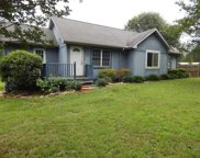 100 Lakeview Drive, Townville image