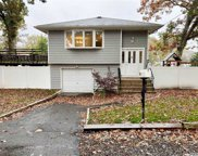 19 Lakeview  Court, Ronkonkoma image