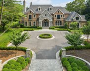 4 Waylor Ln, Laurel Hollow image