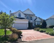 35 Peachtree  Court, Holtsville image