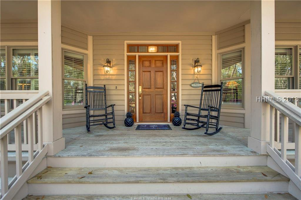 hilton head big and beautiful singles The individually furnished vacation home rentals in hilton head island, at the sea pines resort may include: spacious, luxurious options beautiful private homes.