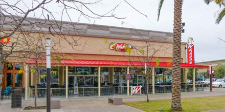 Wahoos Restaurant nest to Fresno State University at Willow & Shaw