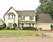 220 Cross Point, Collierville image