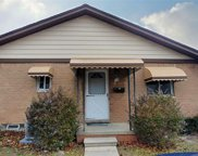 8401 18 Mile, Sterling Heights image
