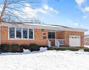 327 Hickory Drive, Itasca image