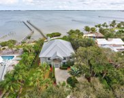110 N Sewall'S Point Road, Sewalls Point image
