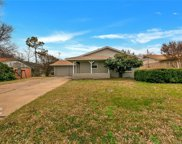 5631 Walraven Circle, Fort Worth image