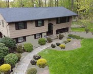 9 Thorn  Place, Chestnut Ridge image