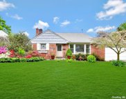41 Sideview  Drive, Oyster Bay image