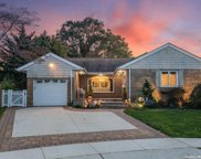 2254 Merokee  Place, Bellmore image