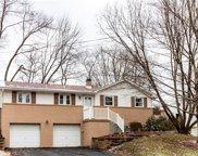 109 Meadowbrook Drive, Moon/Crescent Twp image