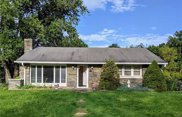 2045 Blue Barn, South Whitehall Township image