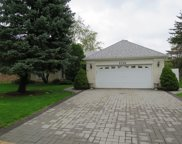 1627 Barry Lane, Glenview image