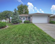 3603 Fox Hill Dr, Sterling Heights image