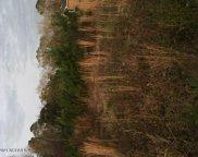 524 Village Road Ne, Leland image