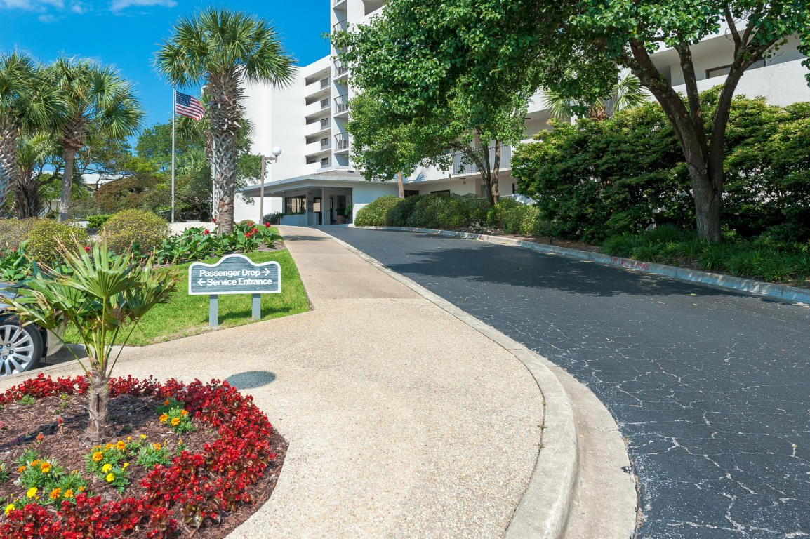 wrightsville beach single guys Upper unit, five houses back from the beach, walk to restaurants and shops my place is great for couples, girls getaways, guys golf getaways and family vacations.