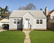 21 Lindbergh Ave, Glen Cove image