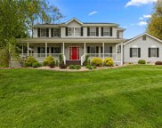510 Meadow Chase, St Charles image