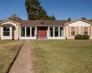 7401 Town and Country, Hazelwood image