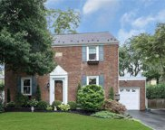 21 Normandy  Lane, Manhasset image