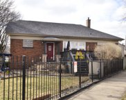 4626 North Kedvale Avenue, Chicago image