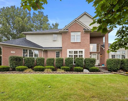 5511 WHITE HALL, West Bloomfield Twp