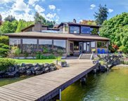 15724 Beach Dr NE, Lake Forest Park image