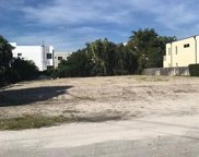 909 & 905 NE 17th Ave, Fort Lauderdale image