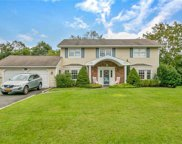 20 Pace S Drive, West Islip image