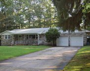 922 Ridgewood Dr, Northfield image