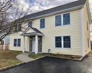 30 Cooper Ln, Levittown image