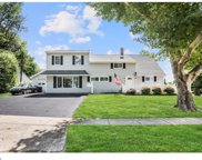 2 Ivy Hill Road, Levittown image