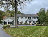 35 Crown Manor  Drive, Chesterfield image