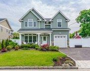 1 B Highland Avenue, Glenwood Landing image