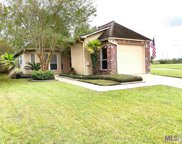 5502 Courtyard Dr, Gonzales image