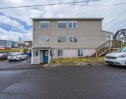 529 & 531 32nd St Sw, Lincoln City image