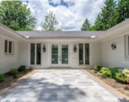 587 E LONG LAKE, Bloomfield Hills image