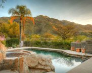 7465 N Calle Sin Desengano, Tucson image