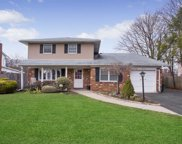 36 Carnegie Dr, Smithtown image