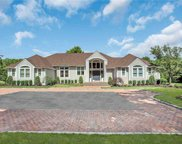 5 Winchester  Drive, Muttontown image