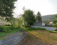 828 Long, Fountain Hill image