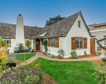 115 1st St, Pacific Grove