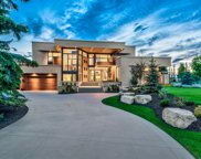 35 Bel-Aire Place Sw, Calgary image