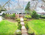 588 Mohawk  Road, W. Hempstead image