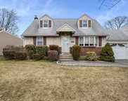 25 Cheshire Rd, Bethpage image