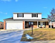 2965 Barton Dr, Sterling Heights image