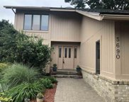 5690 POINT OF THE WOODS DR, West Bloomfield image