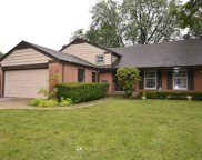 211 West Pickwick Road, Arlington Heights image