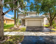 1050 Bluewood Ter, Weston image
